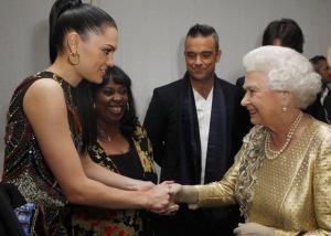 Stylitz - Jessie J in Gogo Philip earrings + the Queen