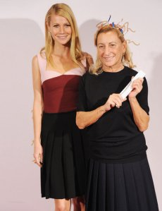gwyneth-paltrow-miuccia-prada-british-fashion-awards-getty_GA_Elle
