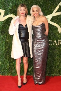 rita-ora-kate-moss-bfa-vogue-2dec13-getty_b_426x639