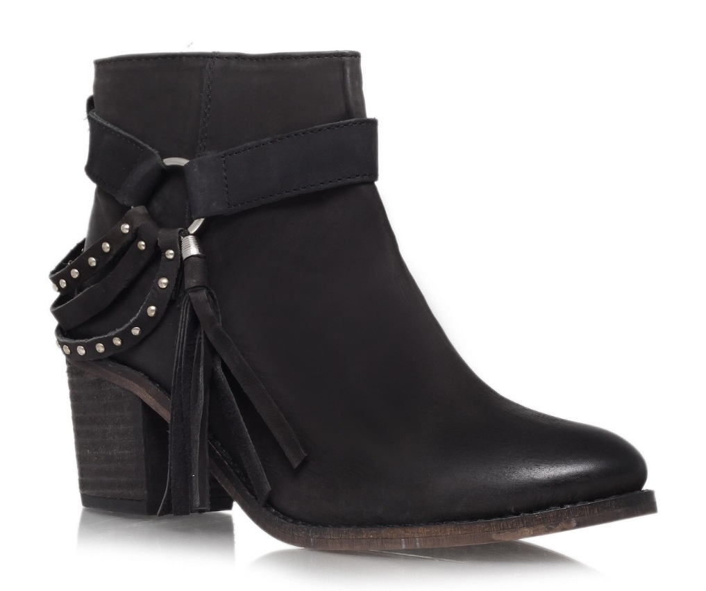 f819e55293aa The perfect boots (and more)